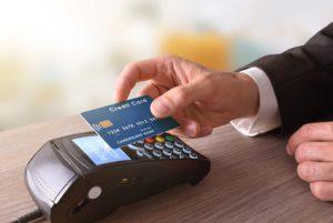 NFC: Mit der girocard kontaktlos zahlen im Vorbeigehen, © Davizro Photography, girokontoantrag.de