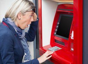 Mehr Gebühren am Geldautomaten, Fremdkunden zahlen mehr am Geldautomat, © Kaspars Grinvalds, girokontoantrag.de